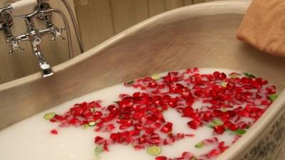 5 причин, чому ванна корисніша за душ