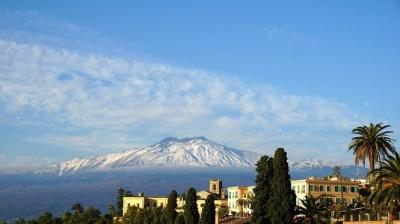 Вулкан Етна сповзає до моря - вчені