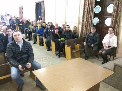 На зборах з відкликання 6 депутатів міськради зареєструвалися 315 жителів Чернівців