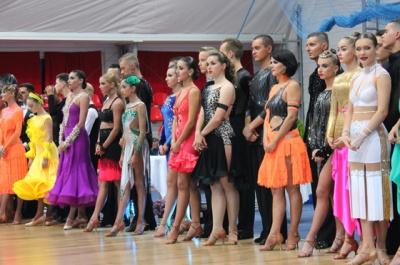 450 спортивних танцювальних пар змагалися у Чернівцях