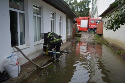 Голова Чернівецької ОДА закликав фахівців бути готовими до ймовірної повені