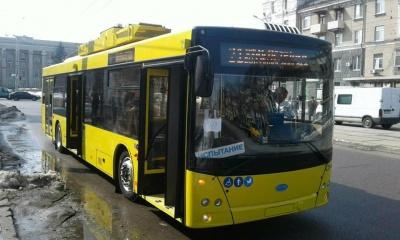 У Дніпрі випробовують нові тролейбуси, куплені Чернівцями