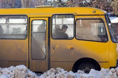 «Ситуація з водіями - критична»: перевізники Чернівців пояснили, чому містом курсує менше маршруток
