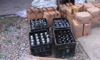 На Буковині чоловіки незаконно виготовляли алкоголь