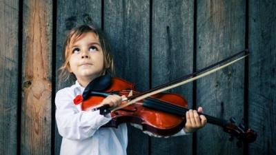 Чи потрібно дітям займатися музикою: відповідь науковців