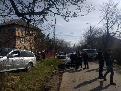 У Чернівцях залишили під домашнім арештом чоловіка, що напав на поліціянтку