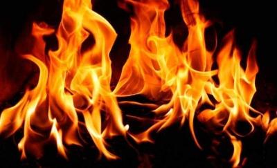На Буковині під час пожежі у хаті знайшли тіло жінки, а в сараї - труп самогубця