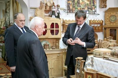 Екс-голова Чернівецької ОДА задекларував капличку й редакцію газети