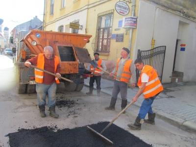 Каспрук пояснив, чому дороги в Чернівцях не ремонтують вночі
