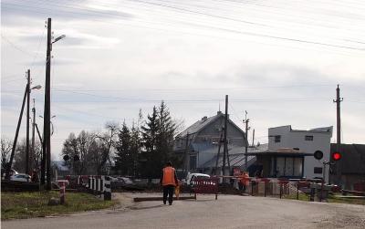 У Новоселиці переїзд на об'їзній закрили на ремонт