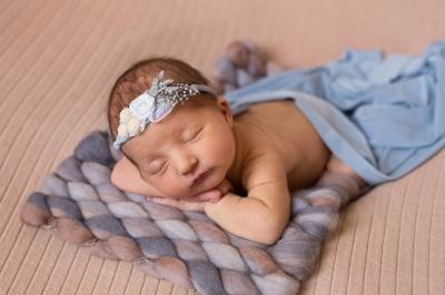 Історія успіху: чернівчанка у декретній відпустці започаткувала фотосесії для немовлят