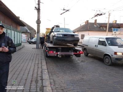 У Чернівцях поліція затримала водія з ознаками сп'яніння, який керував автівкою без документів
