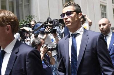 Роналду пропонують виплатити 30 мільйонів євіро, аби не потрапити до в'язниці