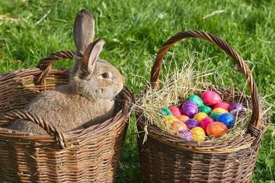Зайці, кролячі бандикути і «голубки»: як святкують Великдень у різних країнах світу