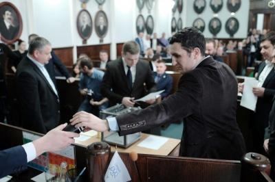 У Чернівцях проведення перевиборів депутатів міськради підтримує 49% жителів, - дослідження
