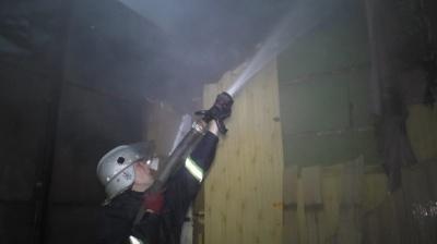 У Чернівцях горів житловий будинок: евакуювали сім людей