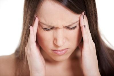Чому болить голова вранці: найпоширеніші причини