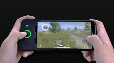Xiaomi презентувала смартфон Black Shark з геймпадом