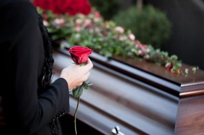Кабмін хоче змінити правила поховання українців