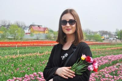 «Таку красу побачиш лише в казці»: на Буковині відкрили відоме тюльпанове поле (ФОТО)