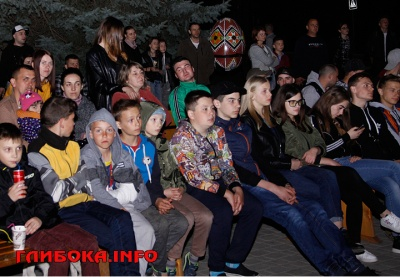 На Буковині створили фан-зону на підтримку учасника «Голосу країни» Андрія Рибарчука