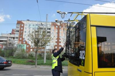 «А що, до Садгори їде тролейбус?»: чернівчани поділились враженнями від першого рейсу новим електротранспортом