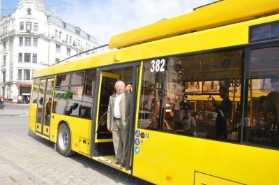 Тролейбуси в Садгору і суд над банкіром. Головні новини Чернівців 19 квітня