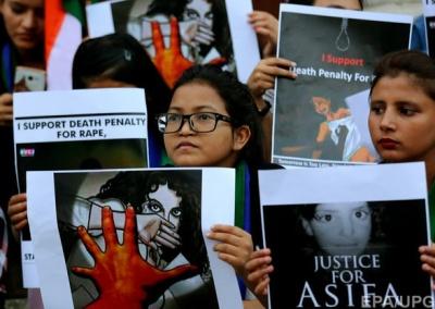 В Індії запровадили смертну кару за зґвалтування дівчаток