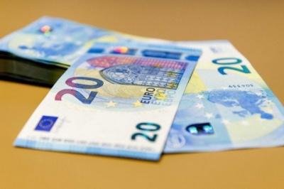 У Фінляндії припиняють експеримент з виплати безумовного доходу