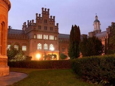 У Чернівцях на території університету відбудеться нічний концерт просто неба
