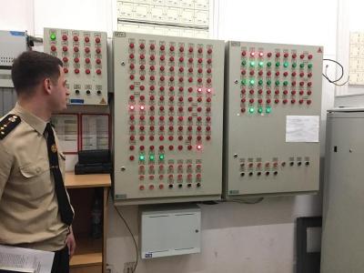 У Чернівцях рятувальники перевірили стан протипожежної безпеки ТРЦ «Екватор»