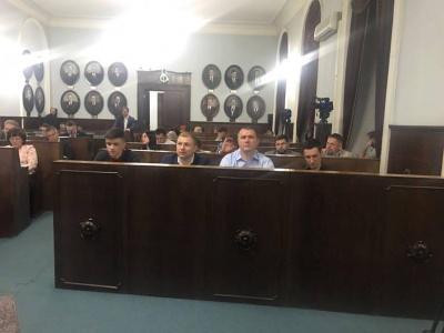 Мер Чернівців назвав причину, чому четвергова сесія міськради затягнулась до першої ночі