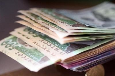 Уряд: В Україні середня зарплата в 2,3 рази перевищує мінімалку