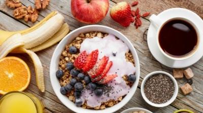 Чому діабетикам важливо снідати зранку