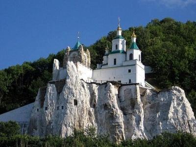 Жебрівський повідомив, що в головній святині Донбасу «дуже багато ченців з Чернівецької області»