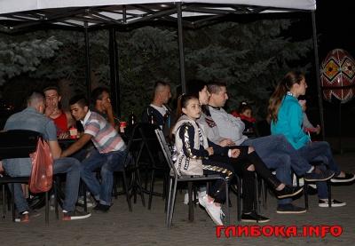 Як буковинці вболівали за Андрія Рибарчука у фан-зоні «Голосу країни» (ФОТО)