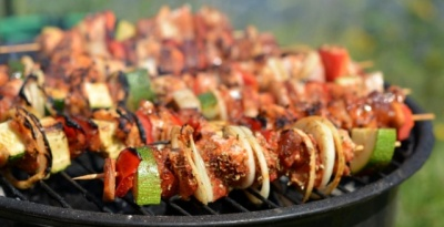 Шеф-кухарі розповіли, як вибрати м'ясо для найсмачнішого шашлику