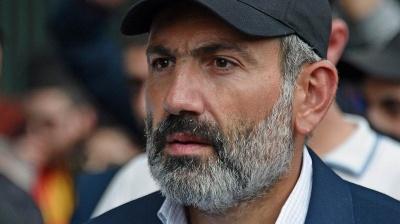 У Вірменії лідер протестів Пашинян закликав блокувати дороги та аеропорти