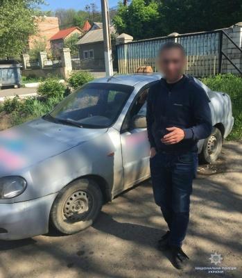 На Буковині поліція затримала п'яного водія однієї зі служб таксі