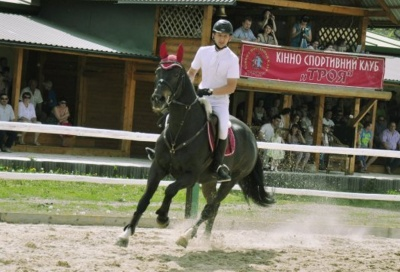 Катання на конях й пісні біля ватри: на Буковині відбудеться фестиваль творчих родин