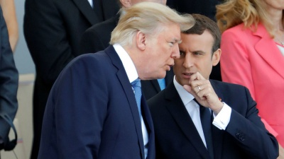 Макрон застеріг Трампа від виходу з ядерної угоди