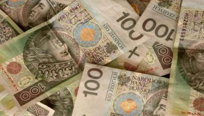 Нацбанк Польщі підрахував, скільки грошей передали додому українці