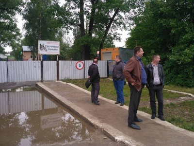 Яма з тушами курей: поліція відреагувала на виявлення скотомогильника на Буковині