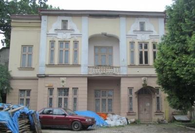 ТЦ замість історичного дому на Руській: чи законне таке «перевтілення»