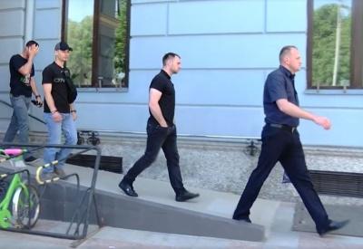 «Якісний матеріал для сімейного архіву»: Середюк подякував журналістам, які знімали його затримання