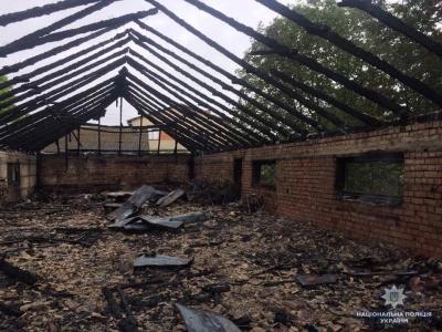 На Буковині виникла масштабна пожежа в ресторані: поліція розслідує інцидент