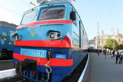 На Трійцю буде 13 додаткових потягів