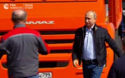 В окупованому Криму Путін відкрив Керченський міст
