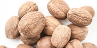 Якими лікувальними властивостями володіє мускатний горіх