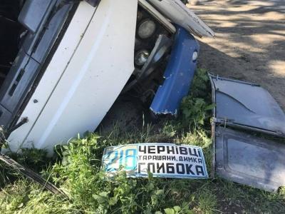 Хотів уникнути зіткнення: у поліції повідомили деталі ДТП з автобусом на Буковині